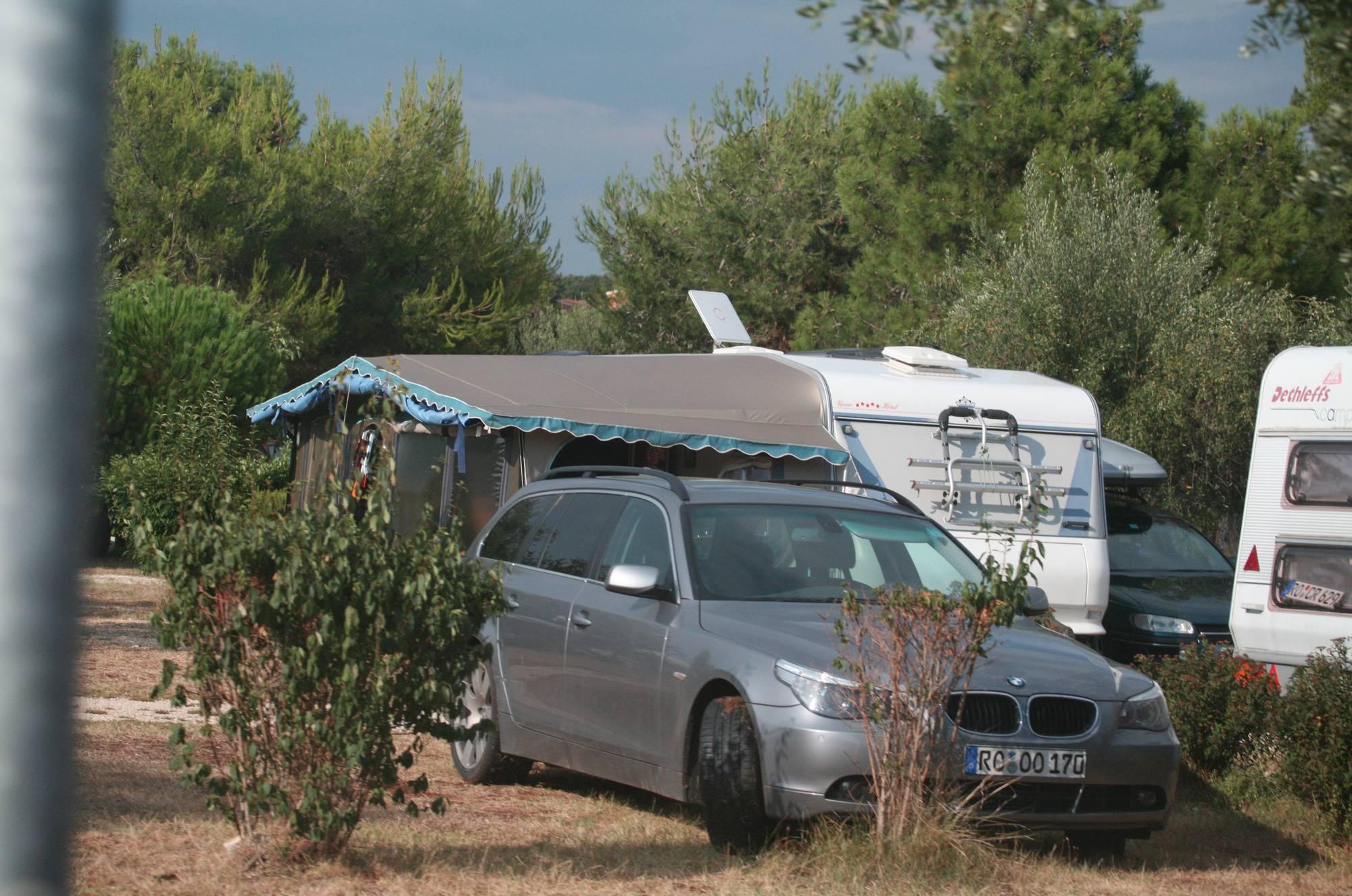 Purenudism Bares Camping Scenery - 1
