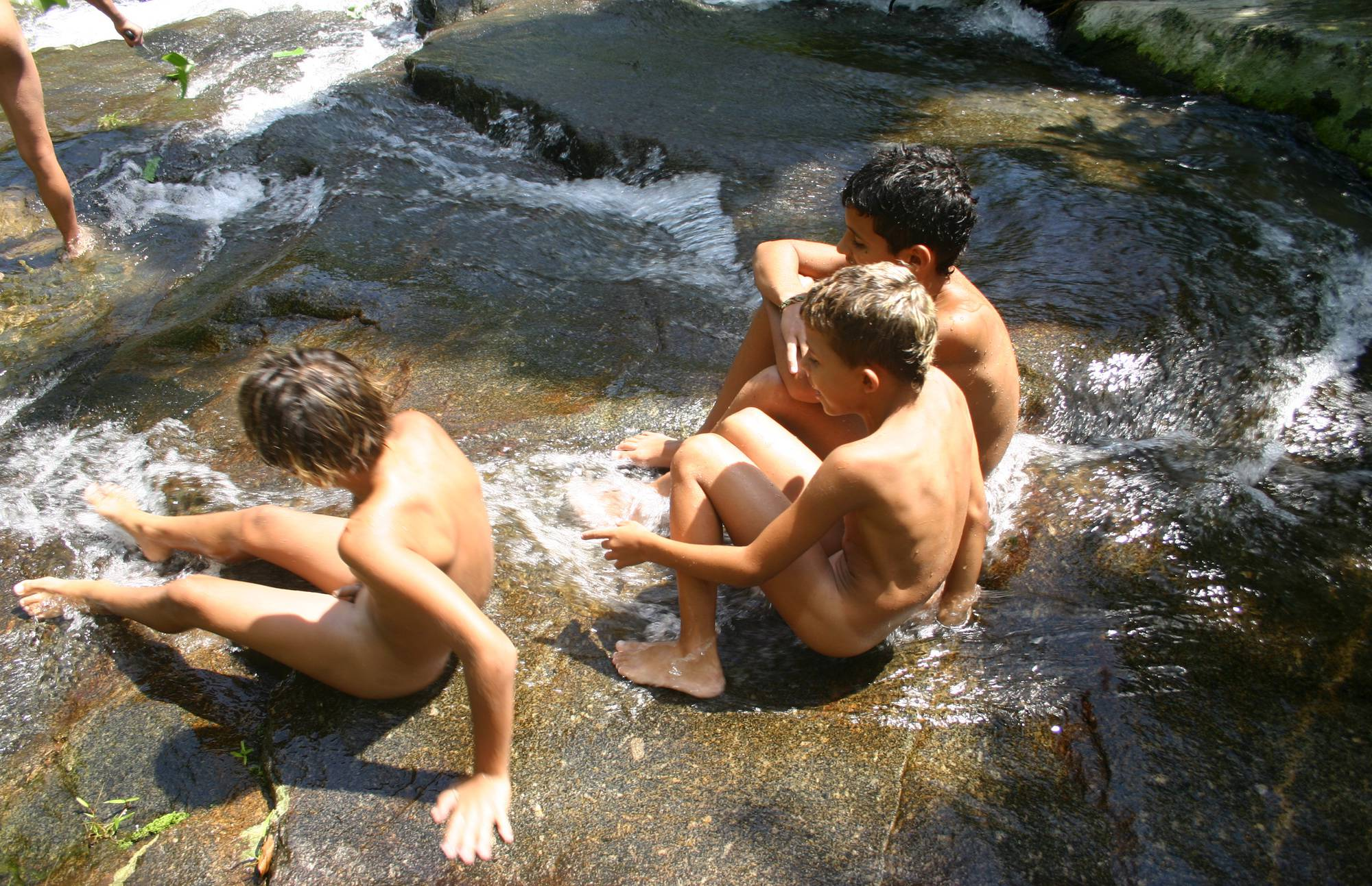 Purenudism Images-Brazilian Water Cliff Play - 1