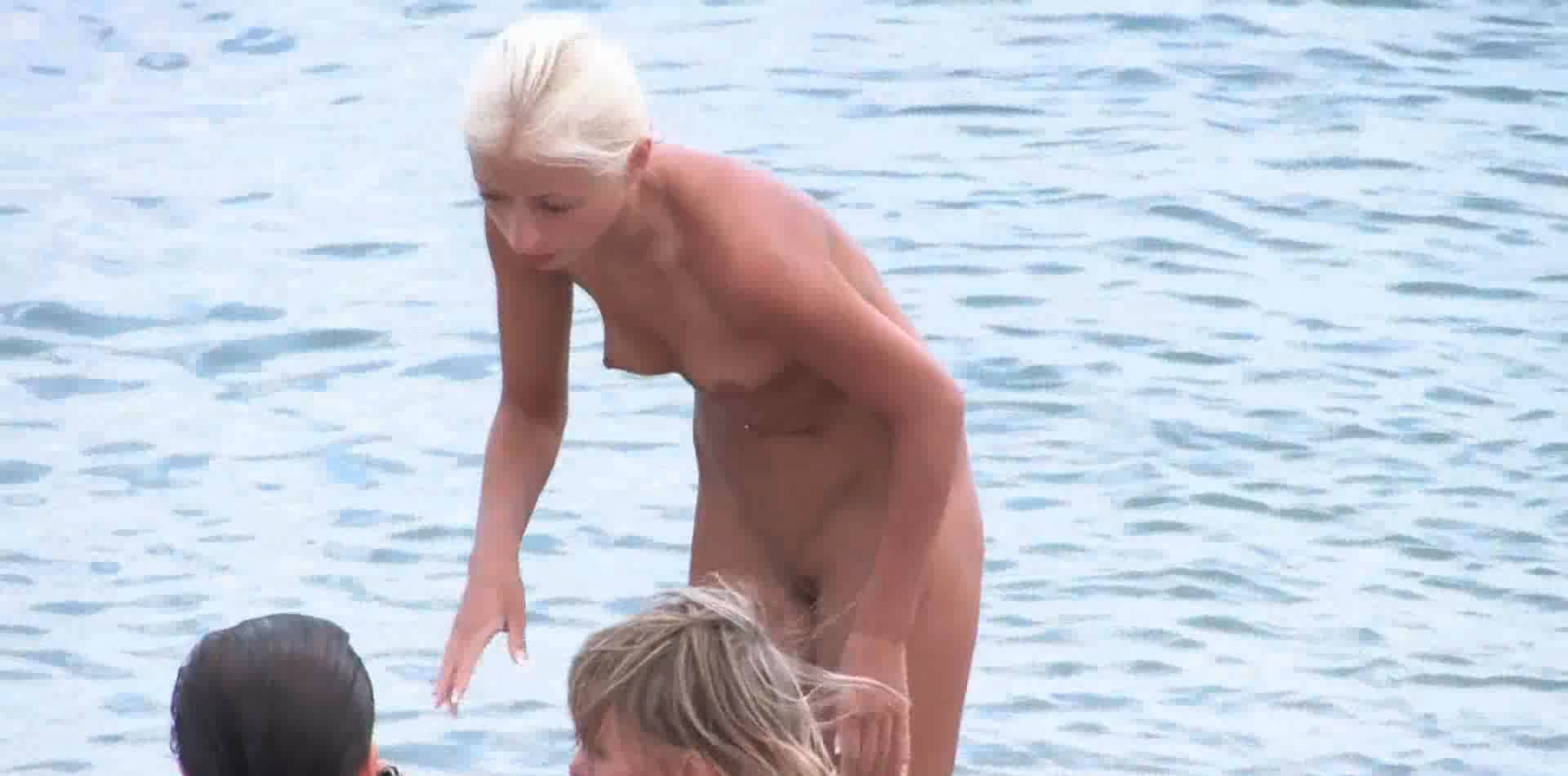 Candid Family Nudism 3 - 4