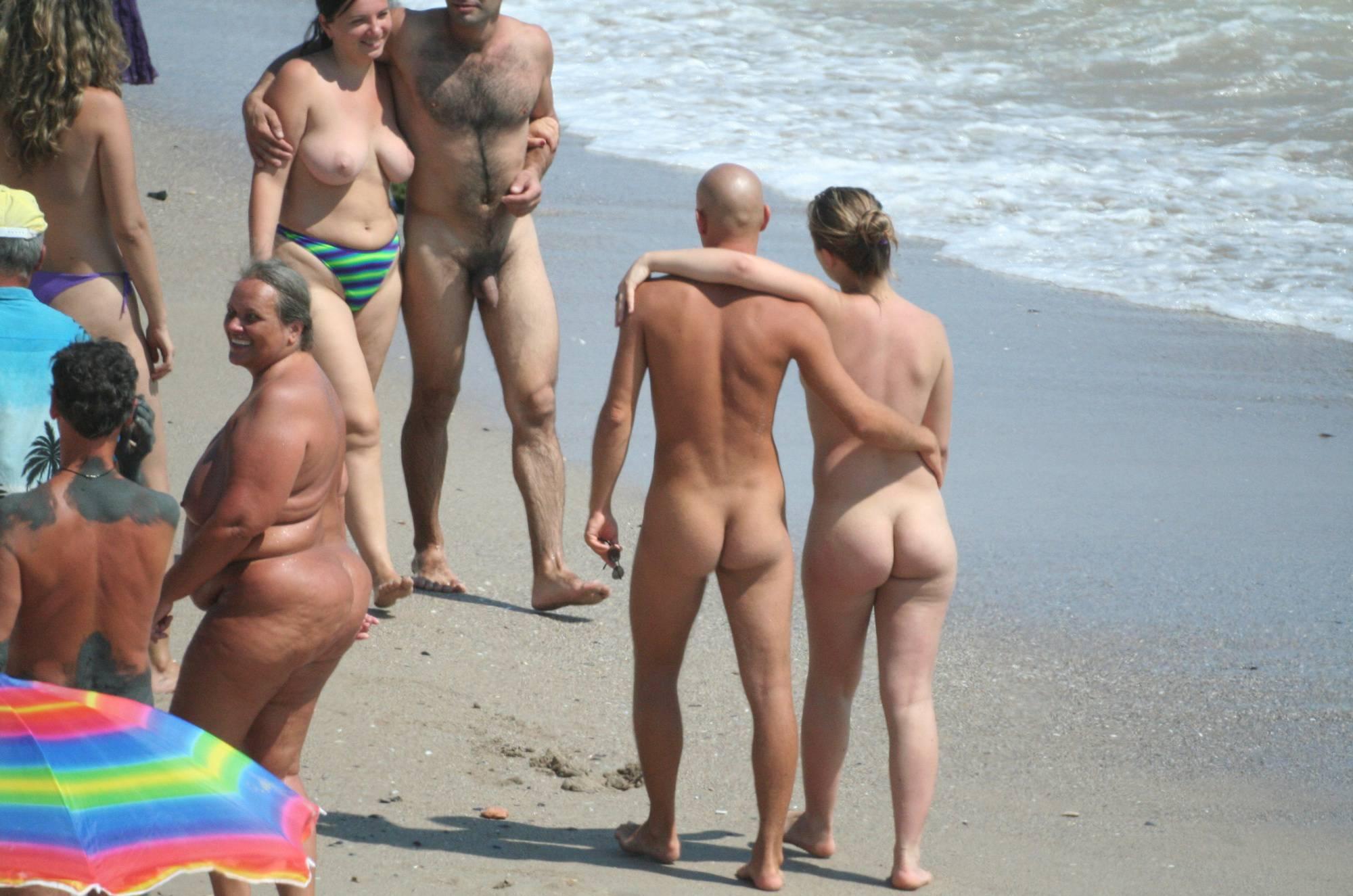 Costinesti Beach Groups - 4