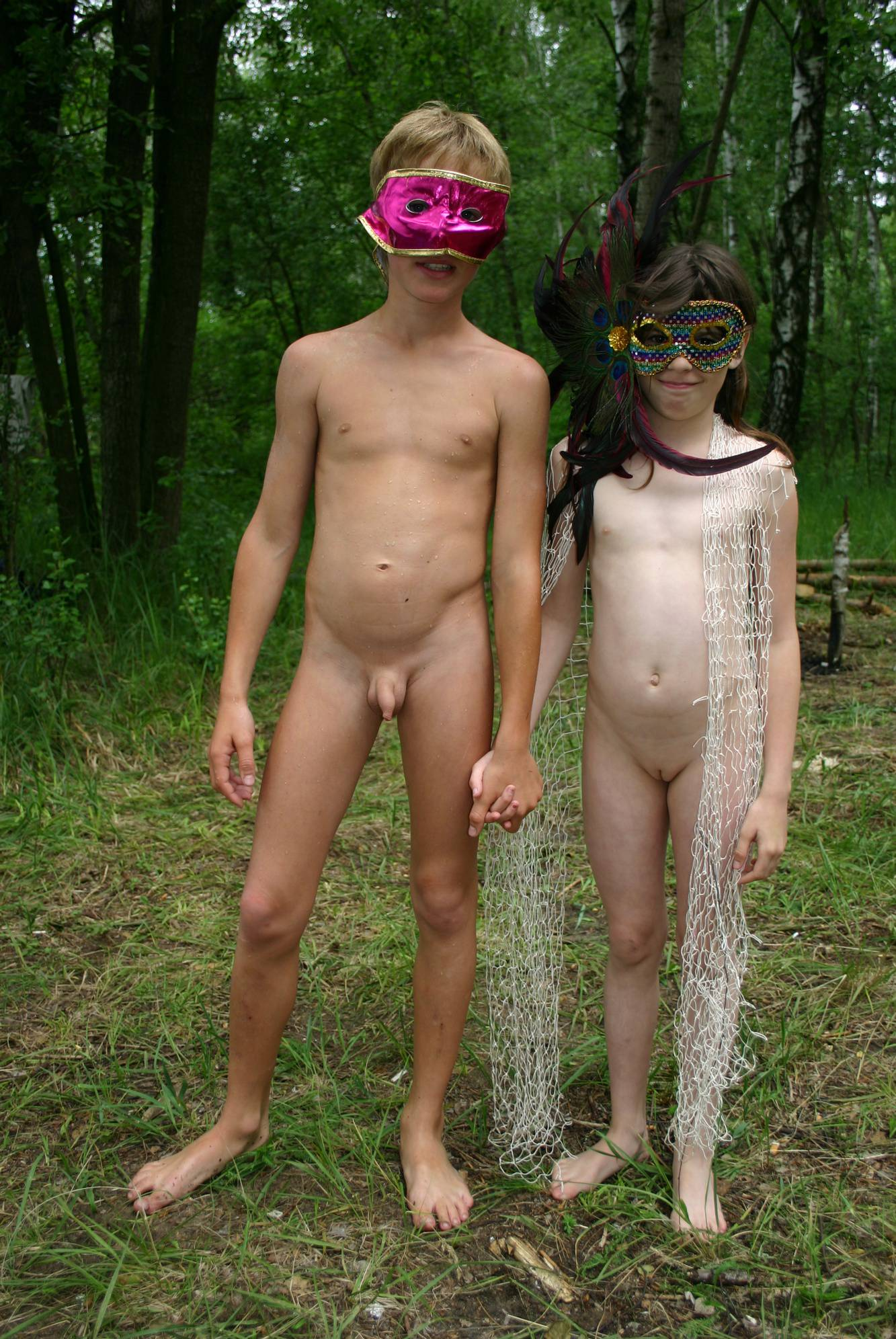 Pure Nudism Pics-Dare to Be Bare Nets - 4