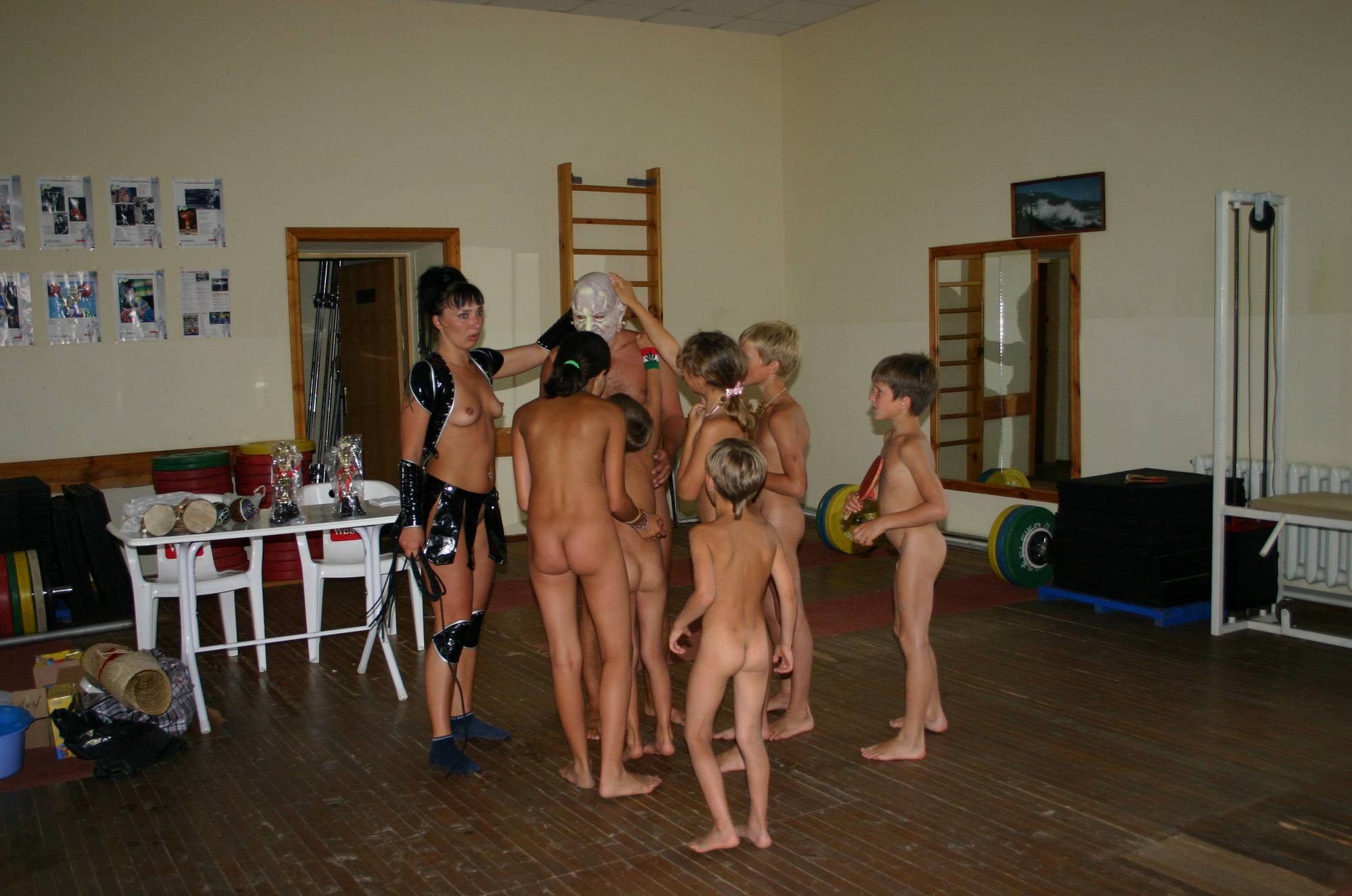 Purenudism Images-Family Gym Group Photos - 2