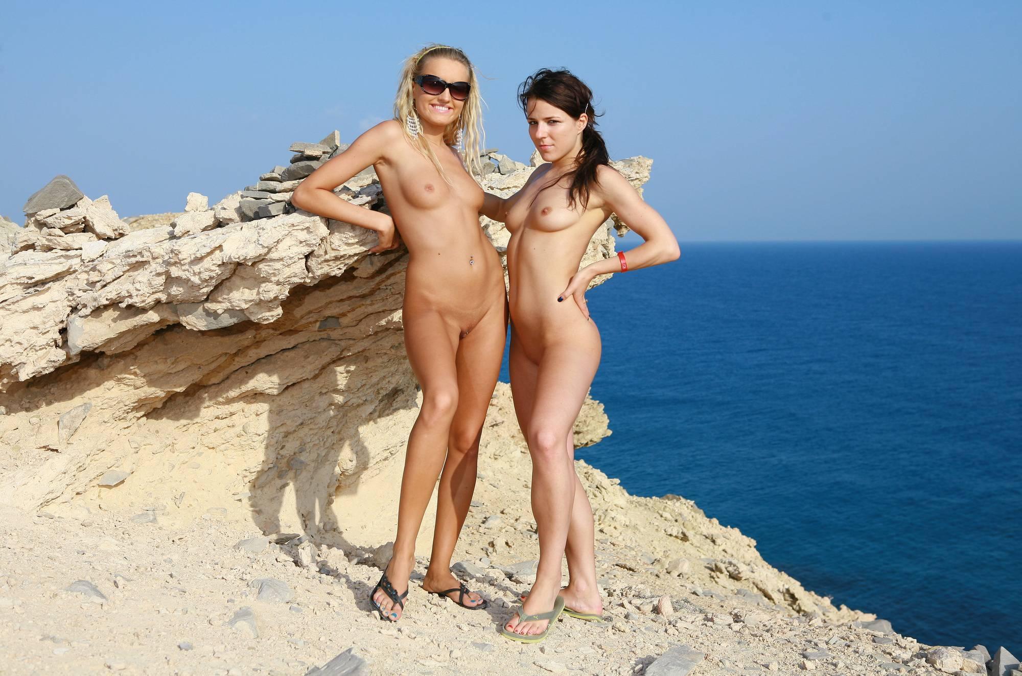 Purenudism Gallery-Greek Girl Cliff Hangers - 1