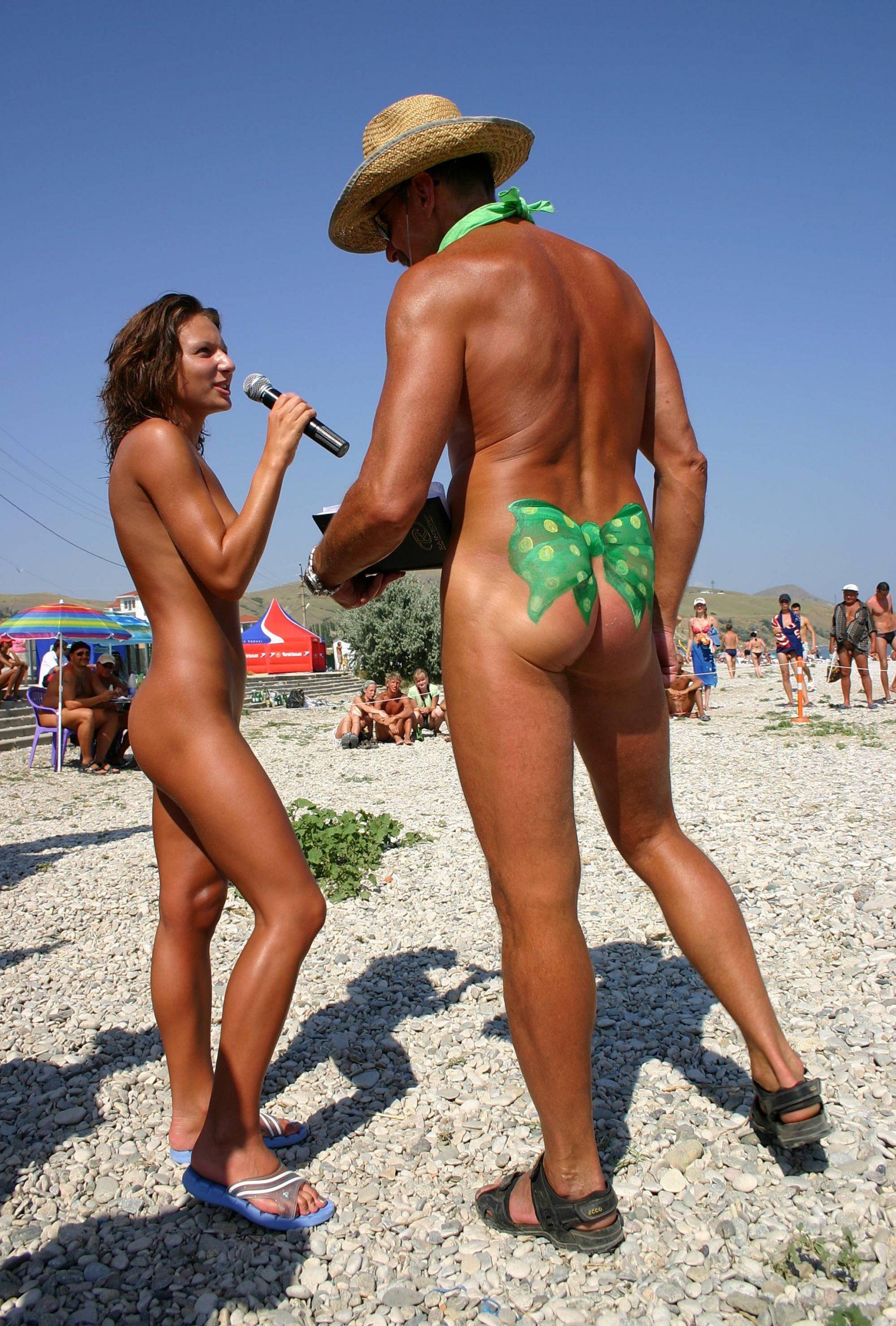 Karaoke Nudist Singers - 2