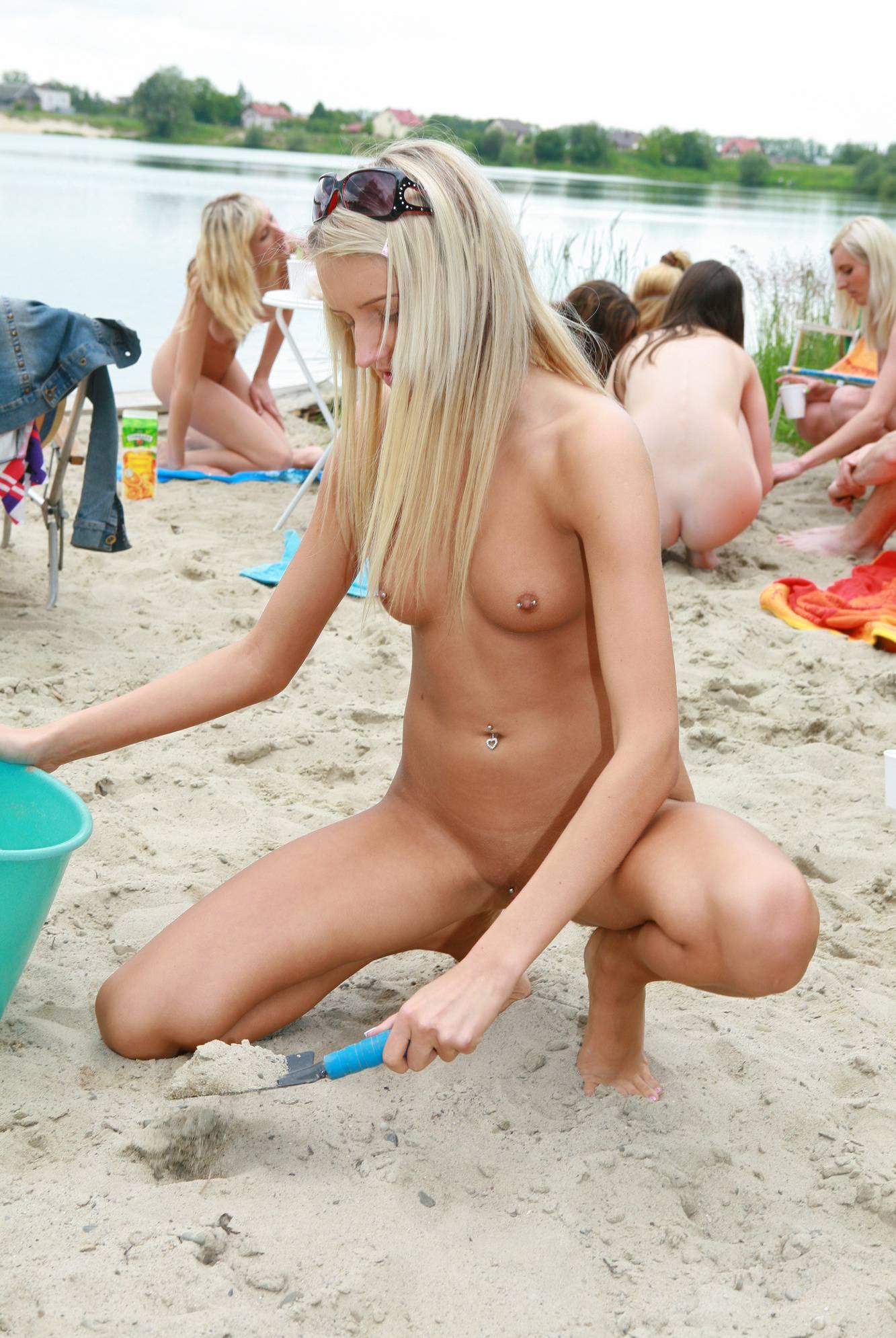 Lakeside Blonde Beauties - 2