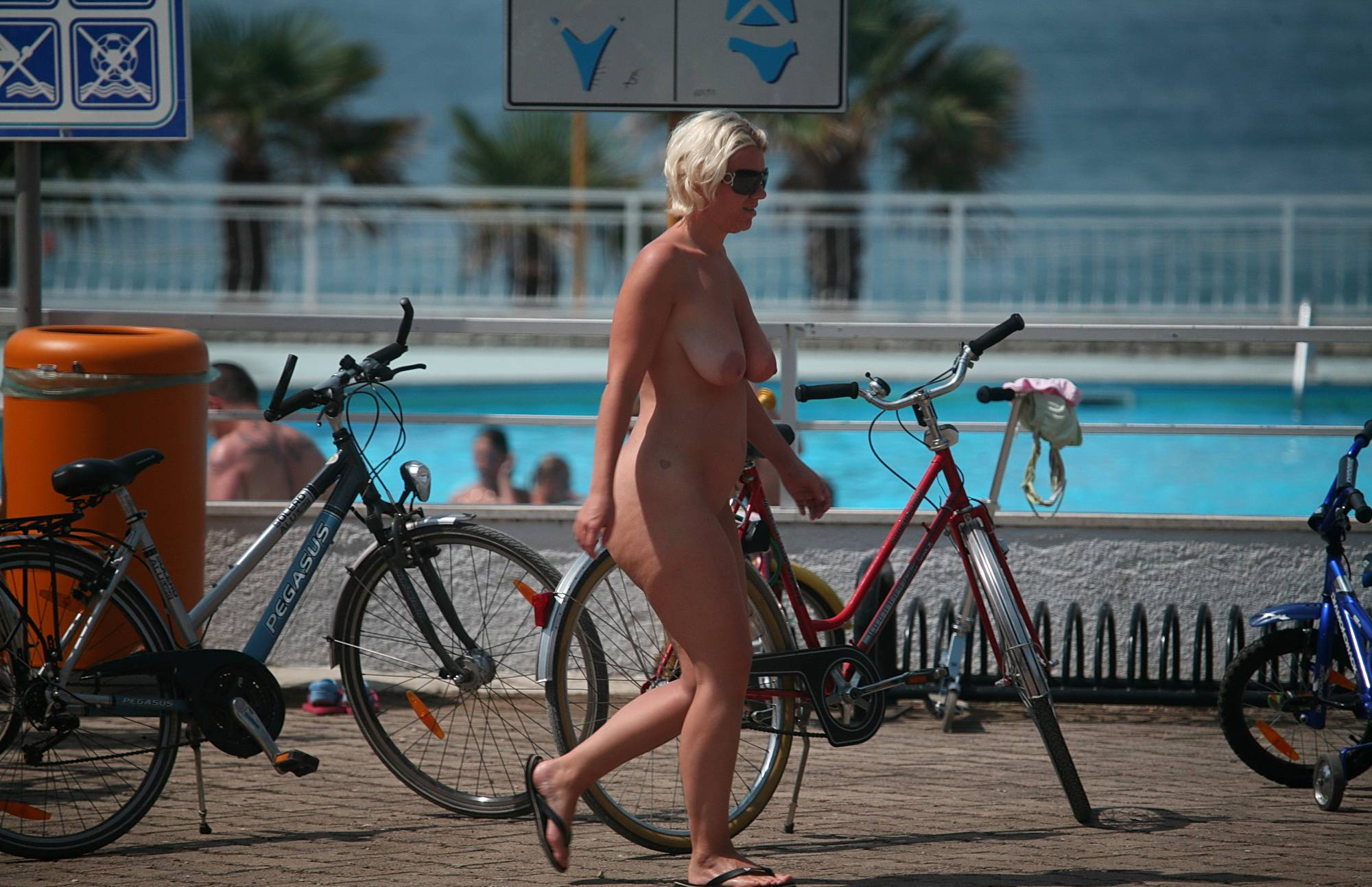 Naturist Toddler Day Out - 1