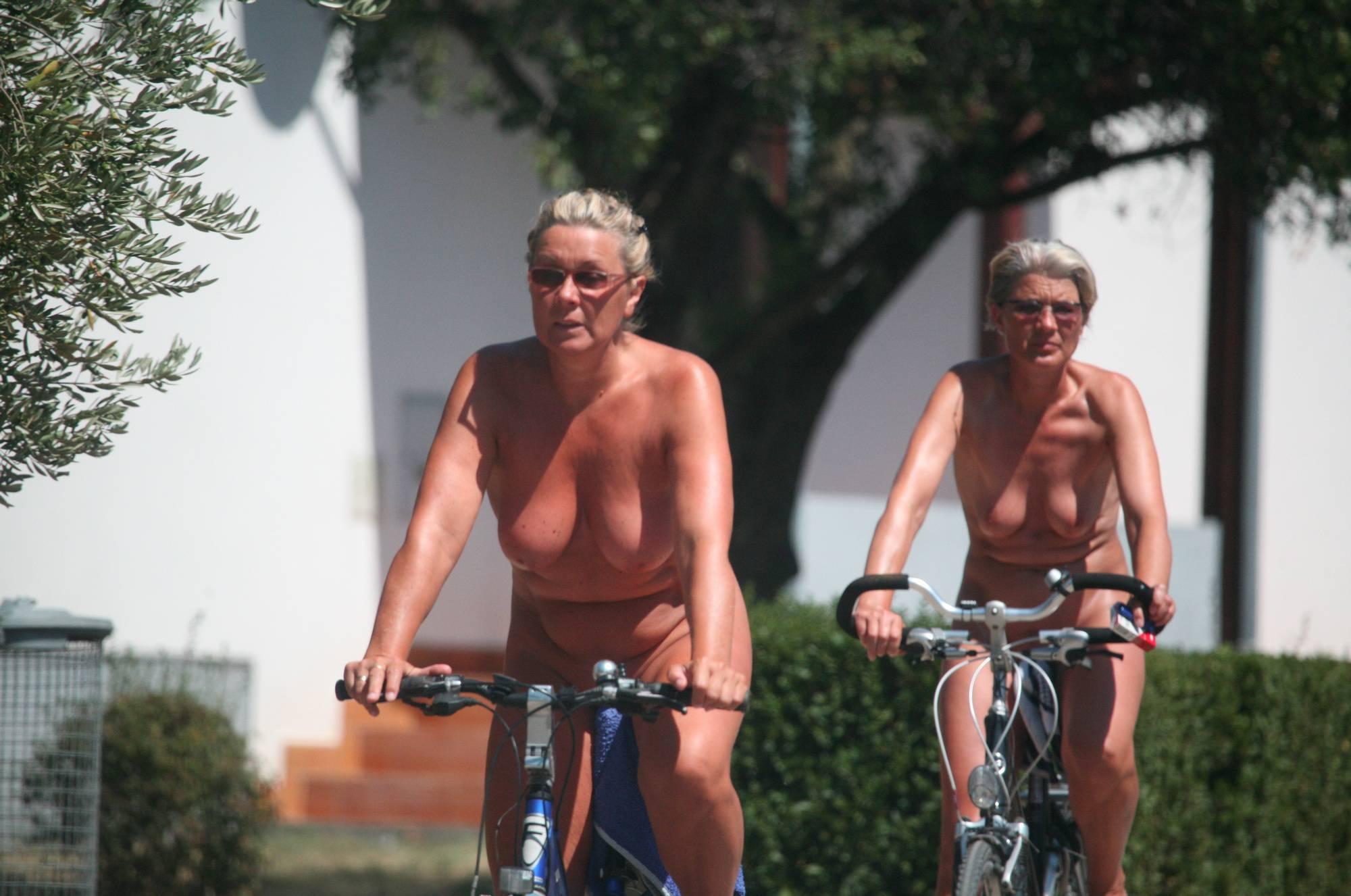 Pure Nudism-Nora FKK Road Park Biking - 4