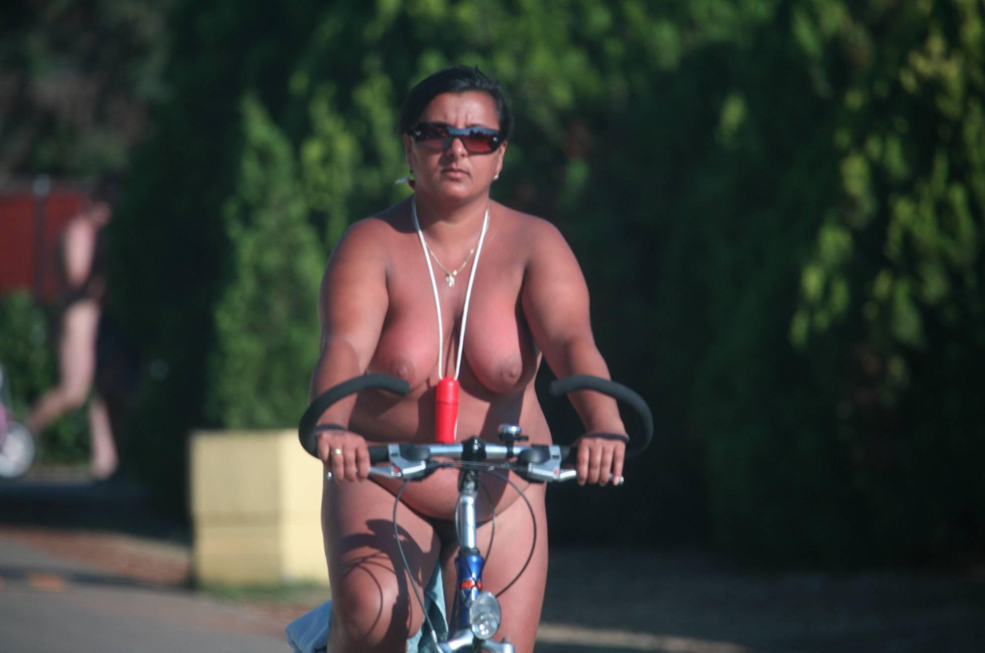 Nora FKK Road Park Biking - 2