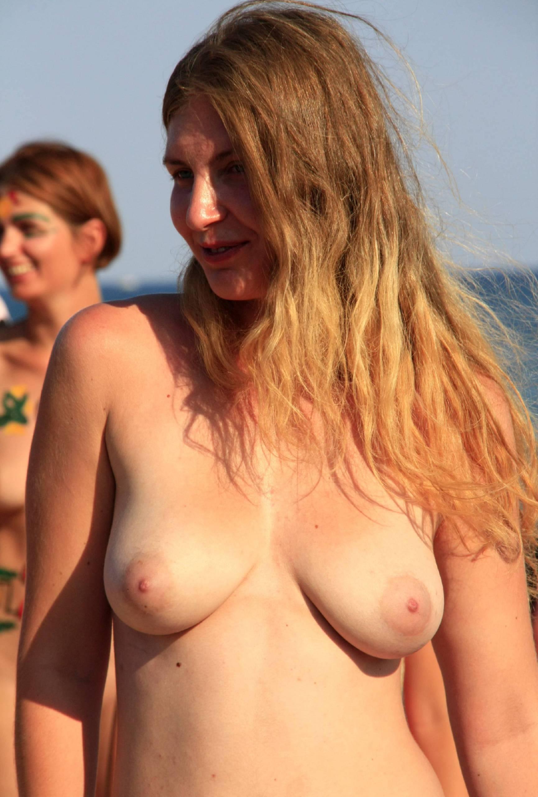 Pure Nudism Nude Group Beach Profile - 2