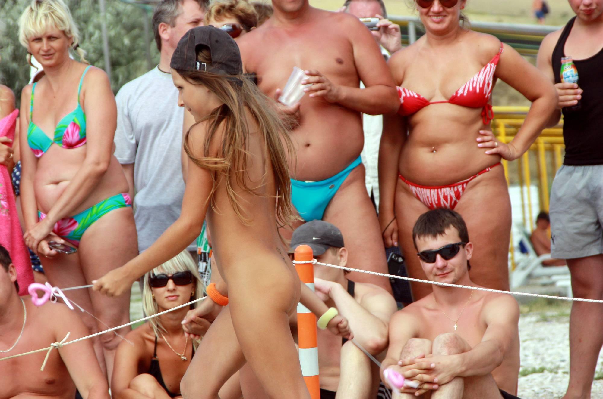 Purenudism Images Nudist Duet Girl Rundown - 2