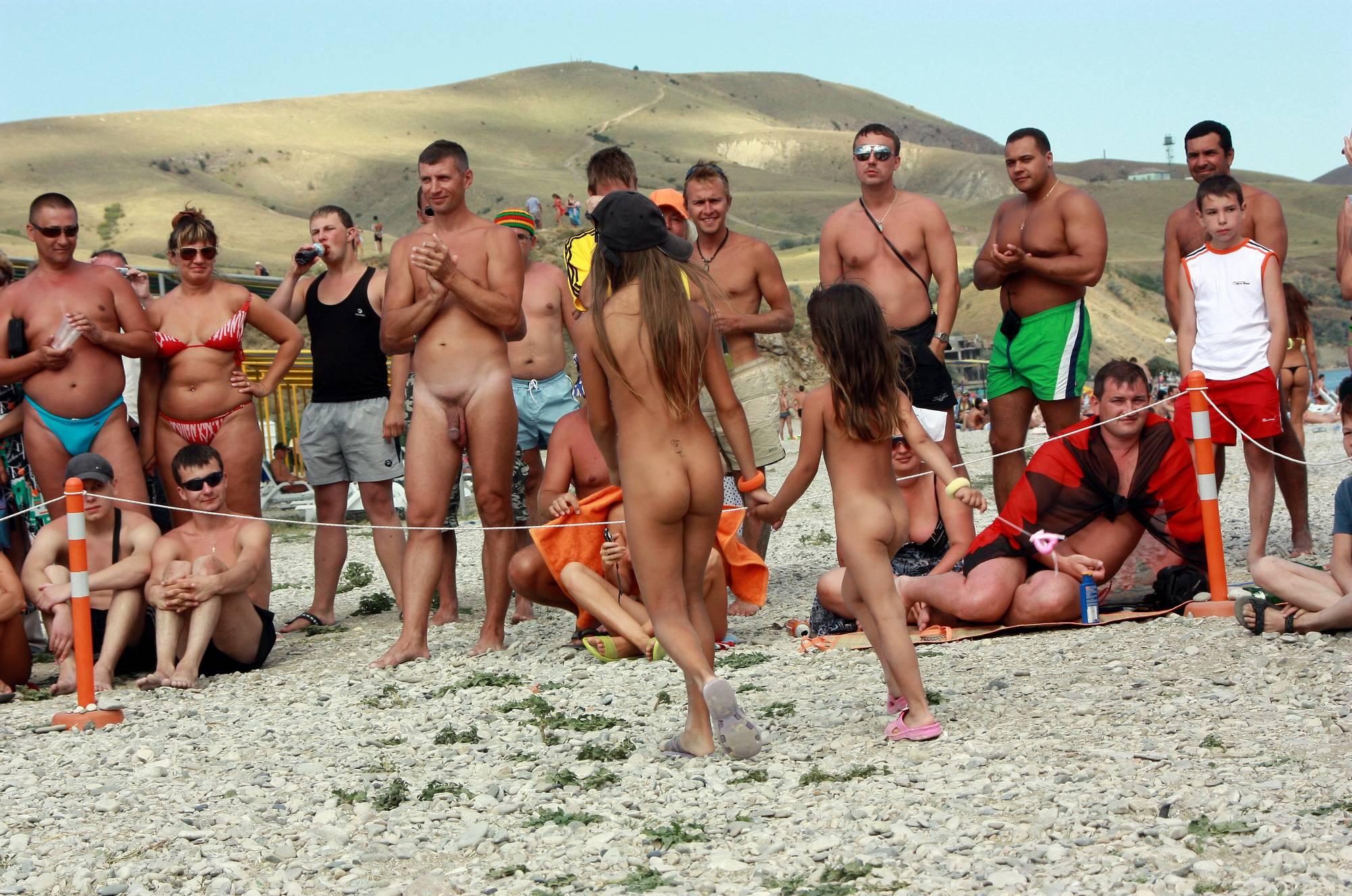 Purenudism Gallery Nudist Duet Girl Rundown - 4