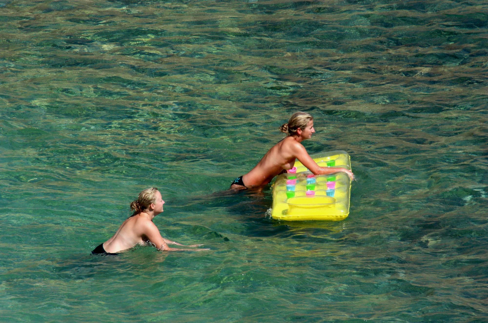 Purenudism Photos-Nudist Yellow Beach Girls - 1