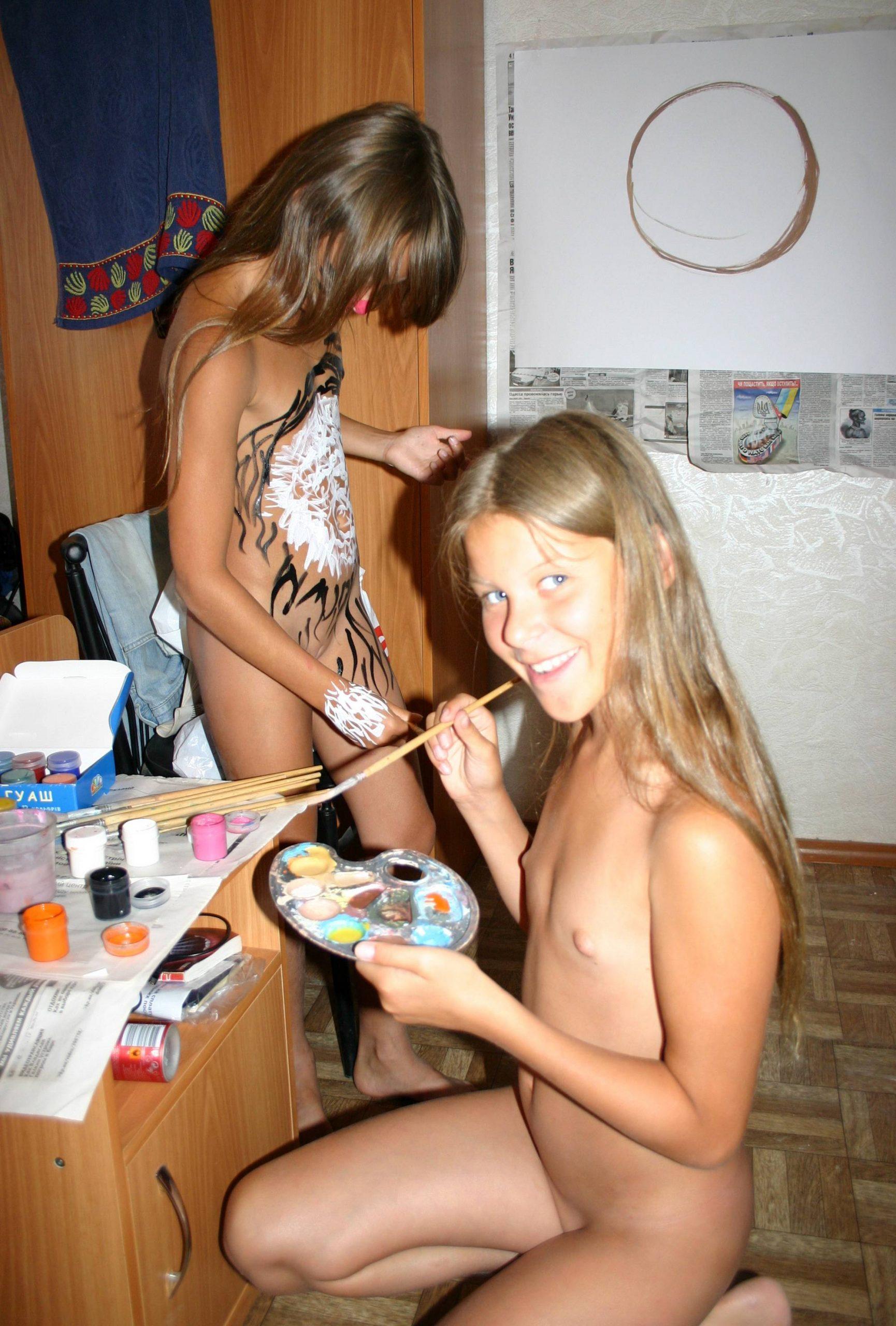 Body Painting Girls Activity - 4