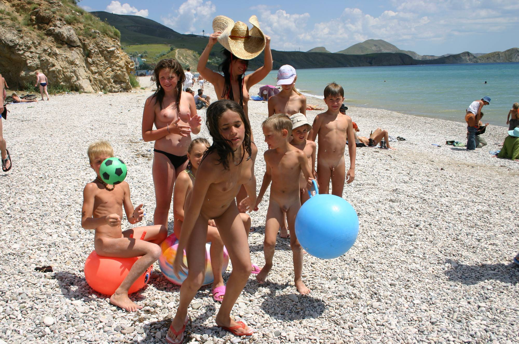 Purenudism Gallery-Crimea Family Sand Profile - 1