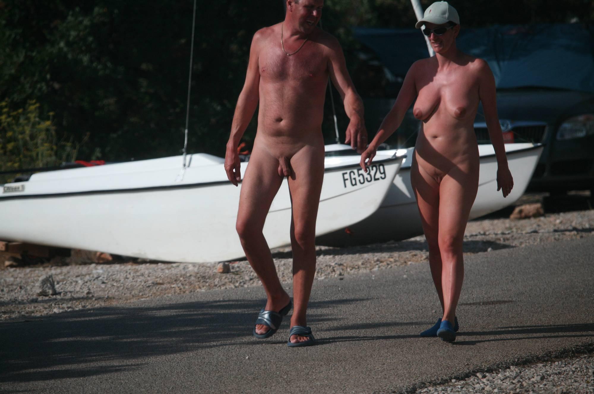 Bares Resort Hills Visitors - 3