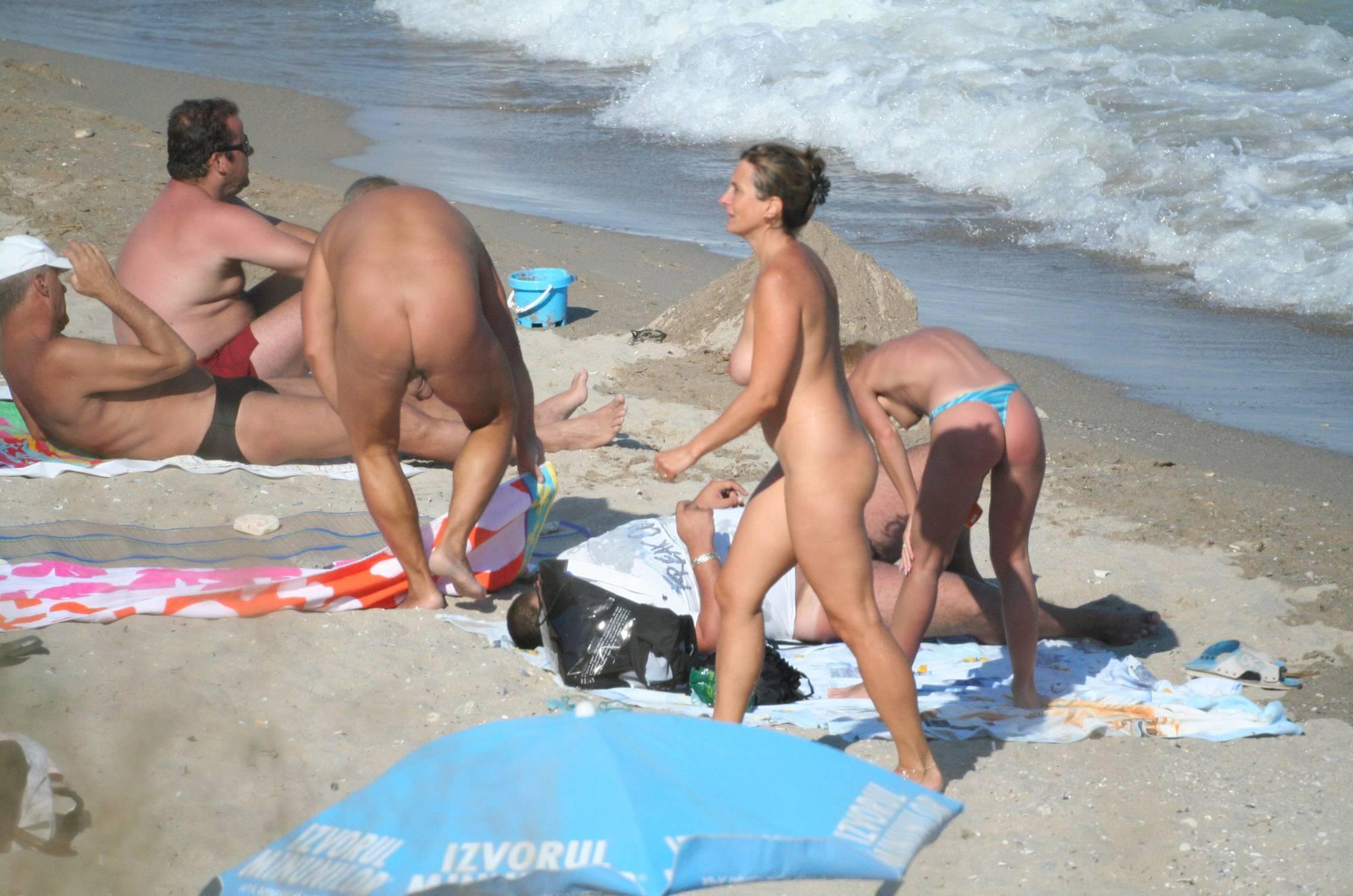 Costinesti Beach Groups - 1