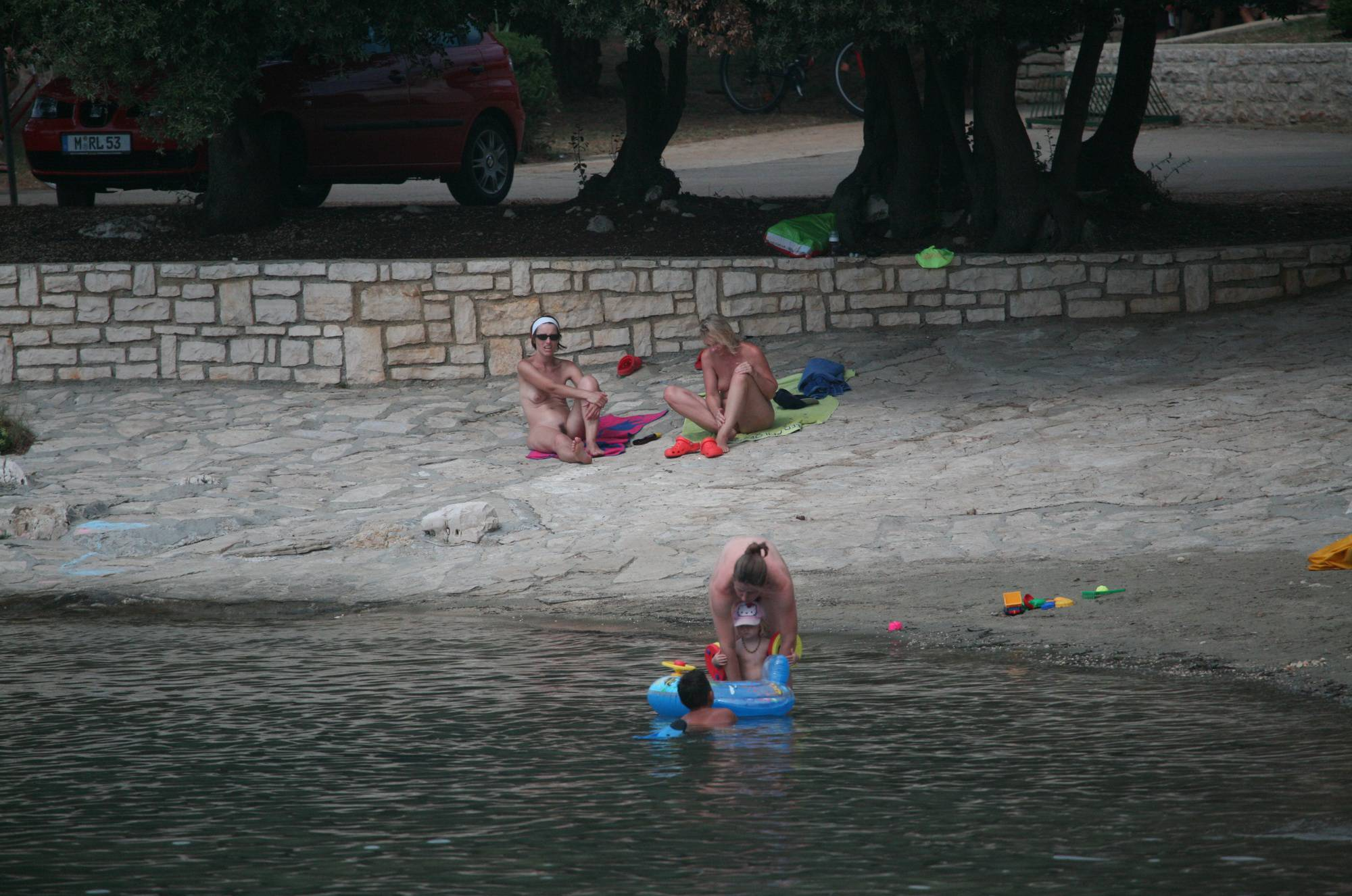 Purenudism-Family Beach Inflatables - 1
