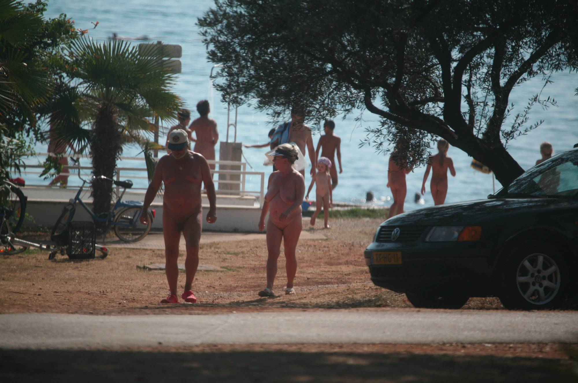 Pure Nudism Pics Nuda FKK Visitor Pass-By - 3