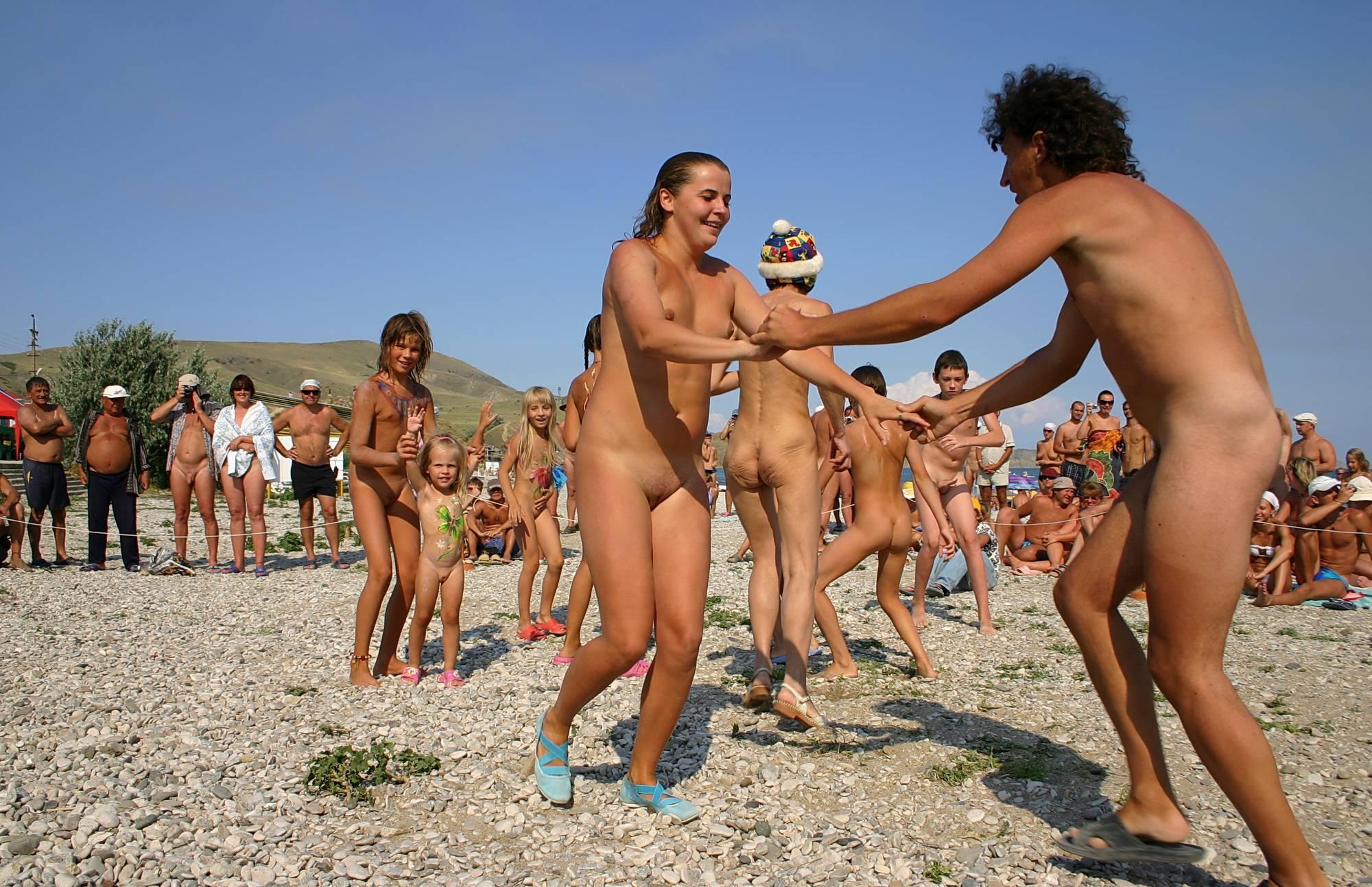 Purenudism Gallery-Hot Outdoor Dance Party - 2
