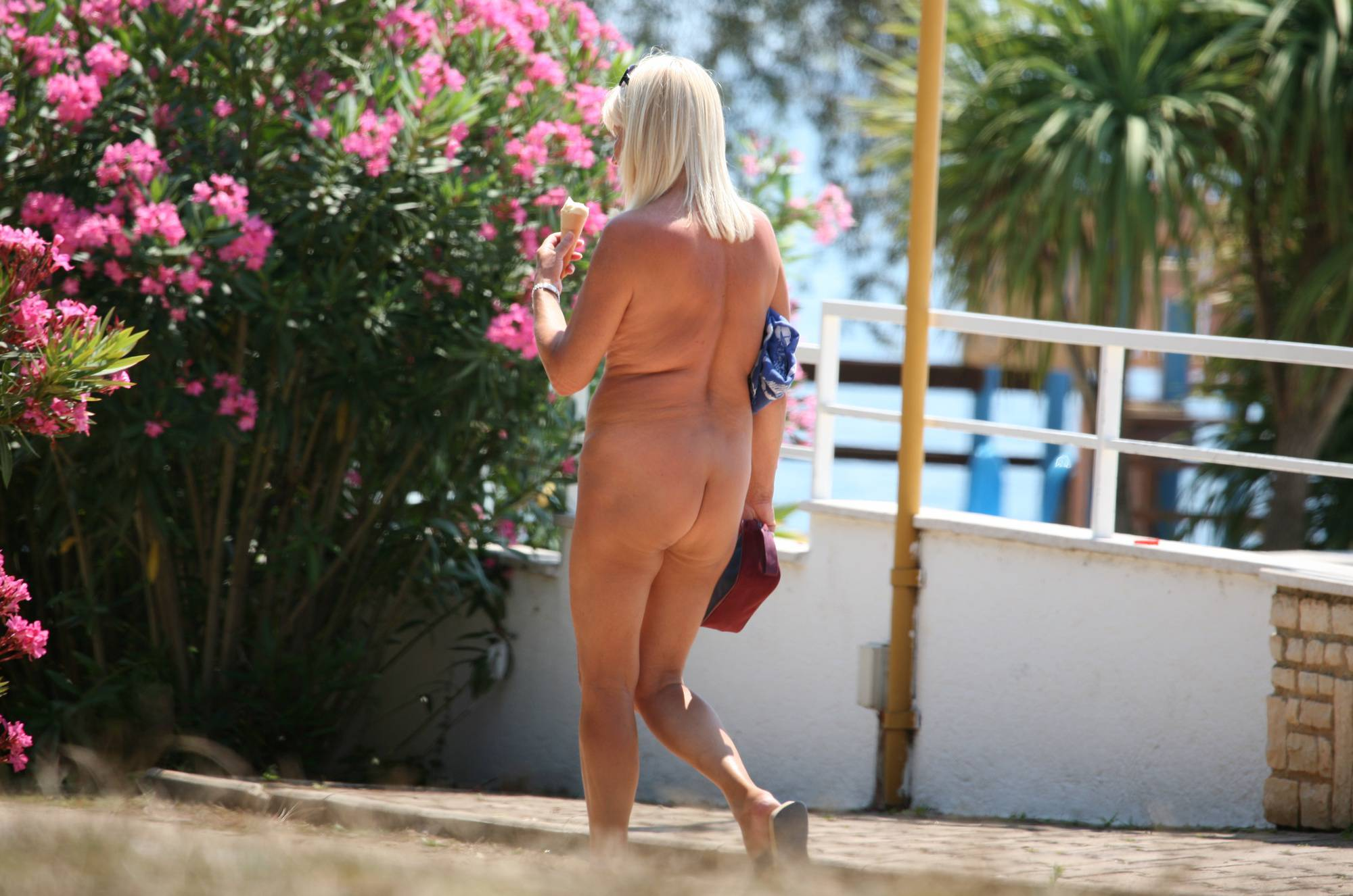 Nuda Pool Guest Guidance - 2