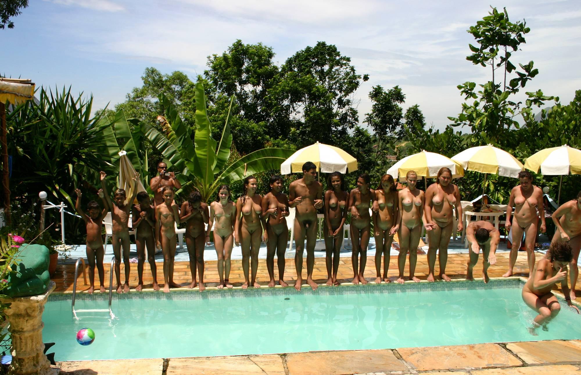 Brazilian Pool Line Group - 3