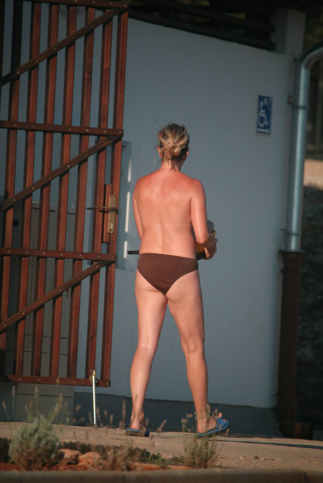 Pure Nudism Gallery-Cove Club-House Visits - 1