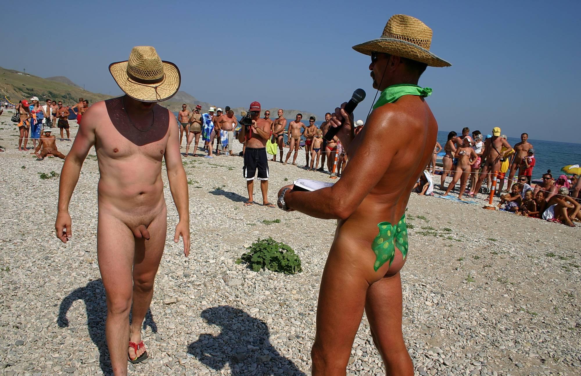 Karaoke Nudist Singers - 1