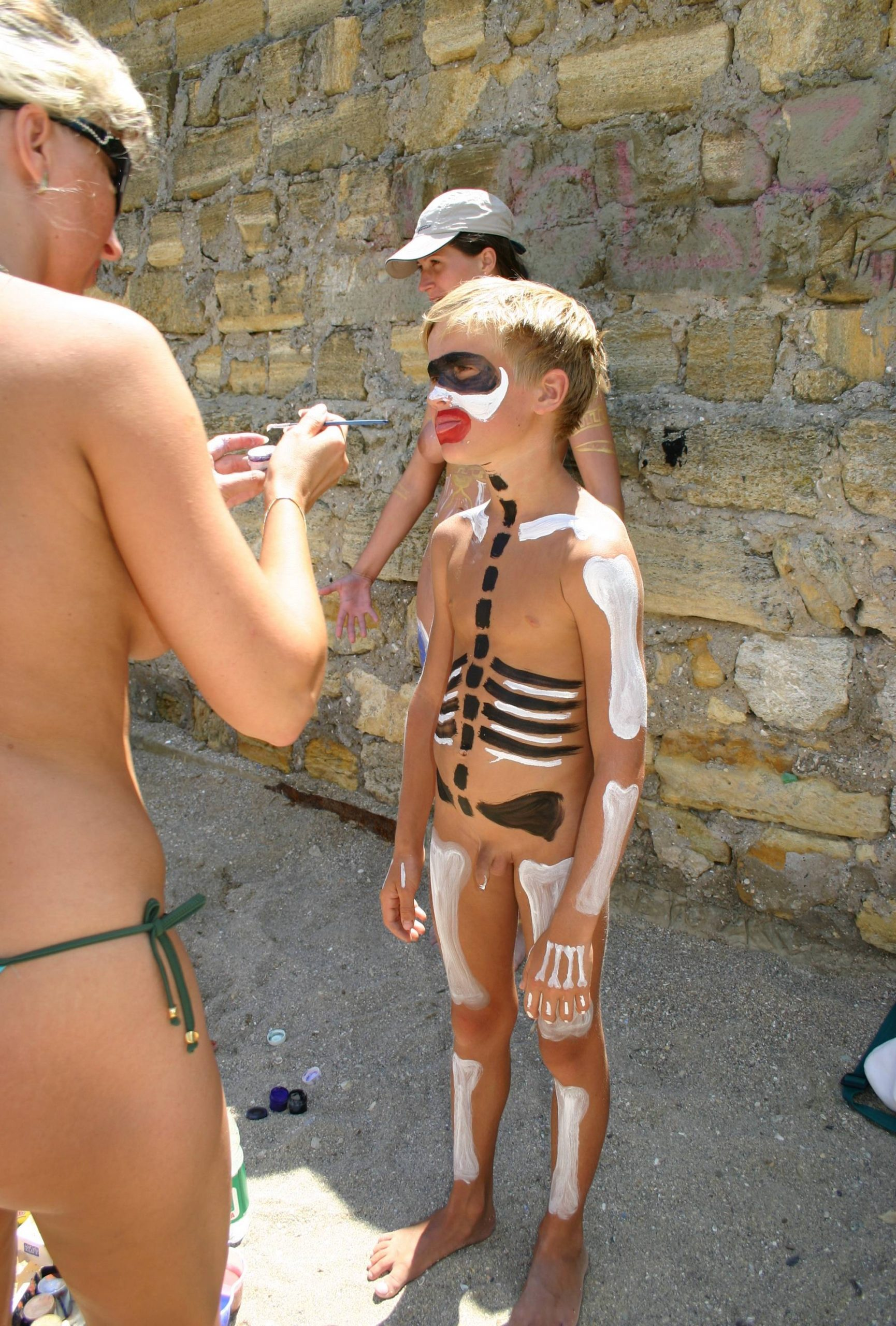 Pure Nudism Images-Odessa Bodypaint Profiles - 2