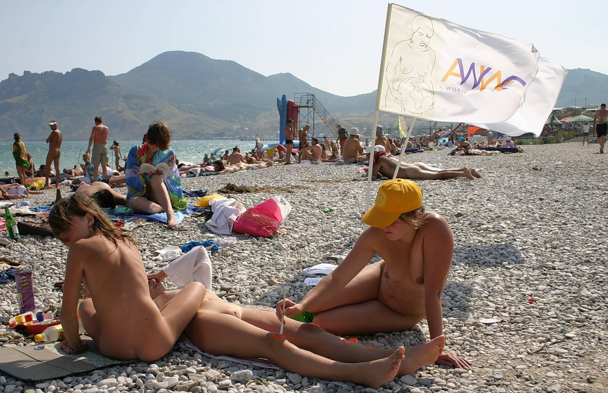 Pure Nudism Images-Pebble Beach Nudist Paint - 1