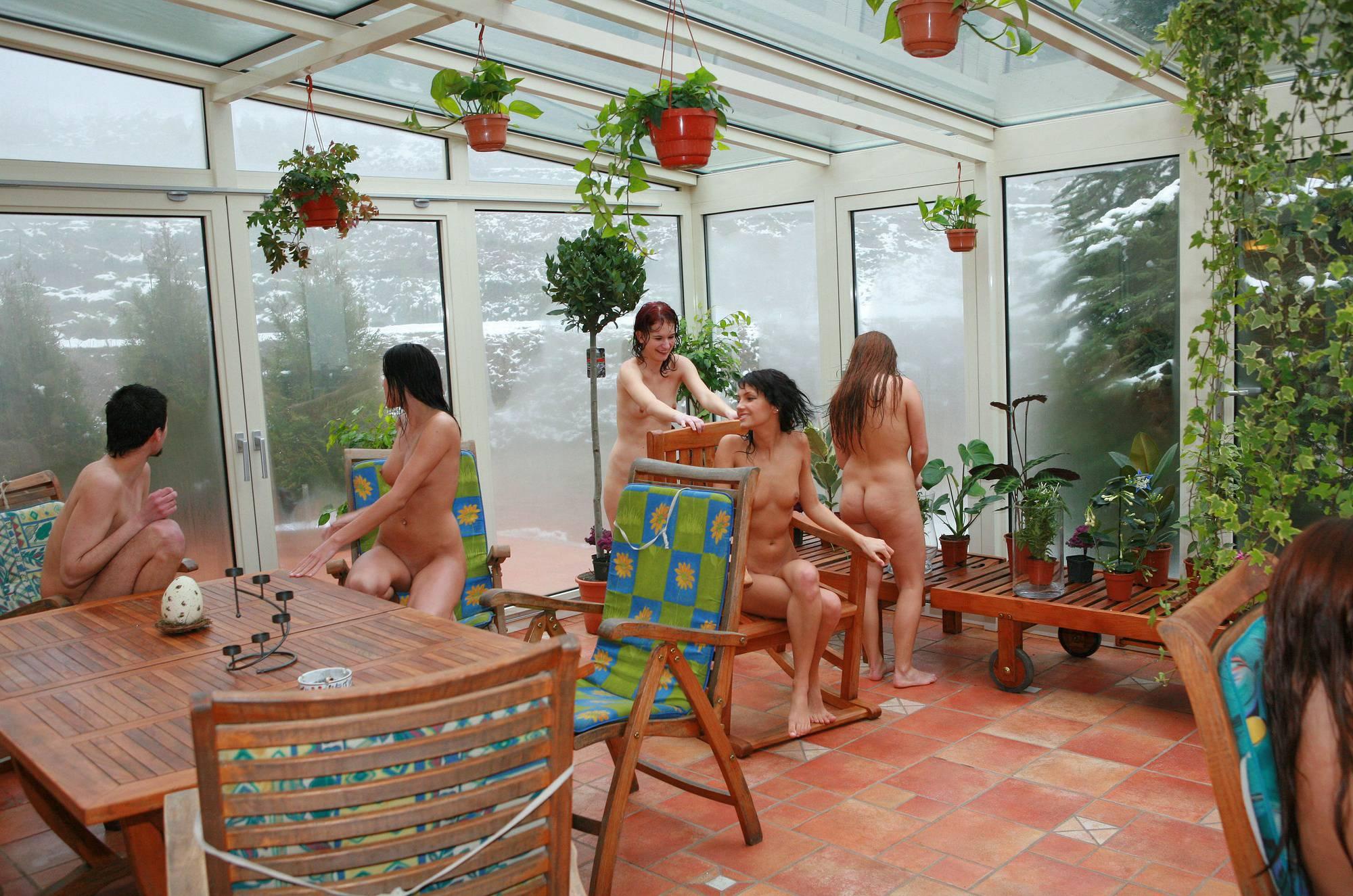 Girls' Pool Party Solarium - 1