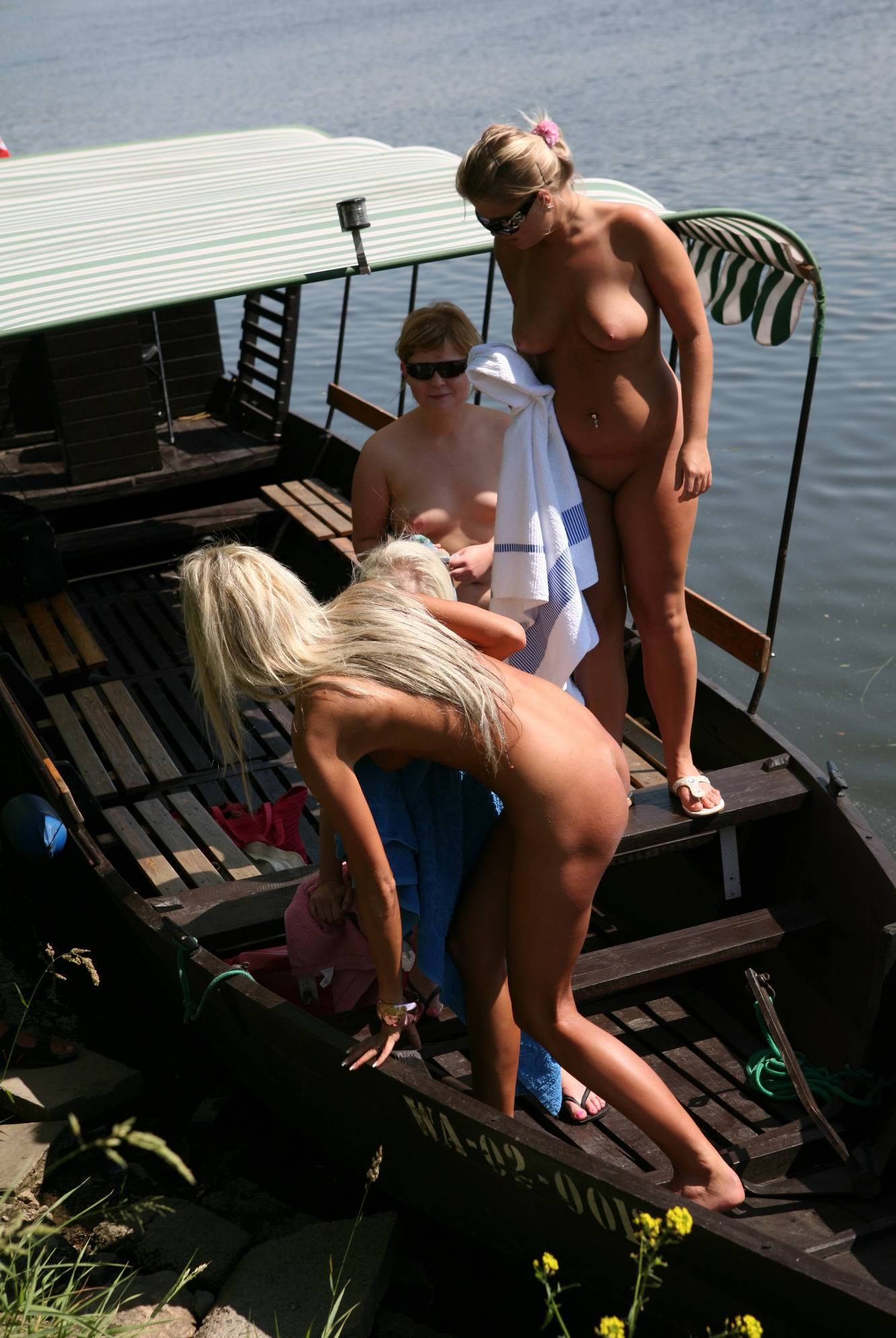 Pure Nudism-River Boat Campgrounds - 2