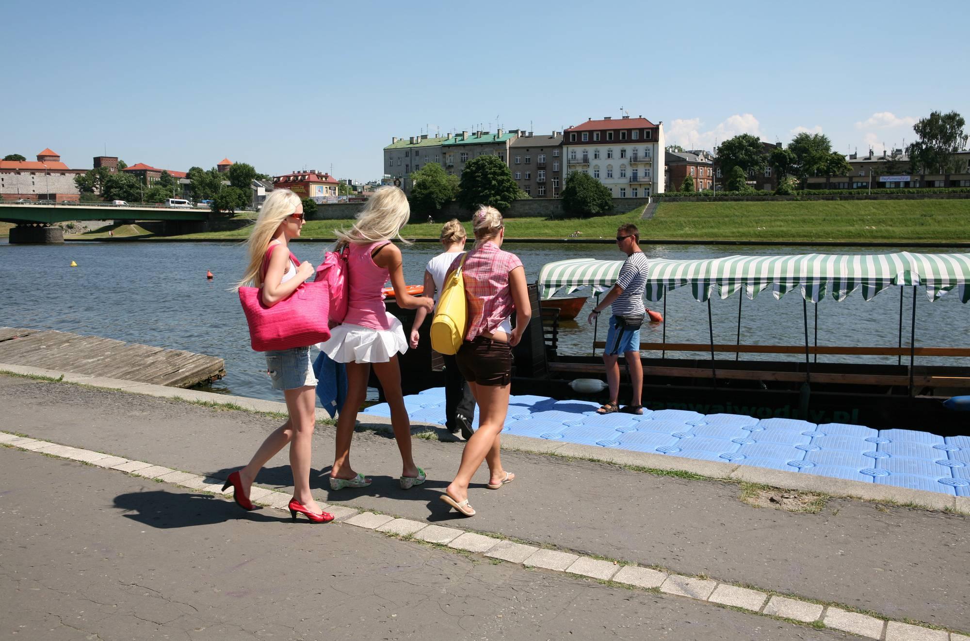 River Boat Preparations - 4